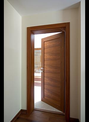 SpaceKraft internal door (17)